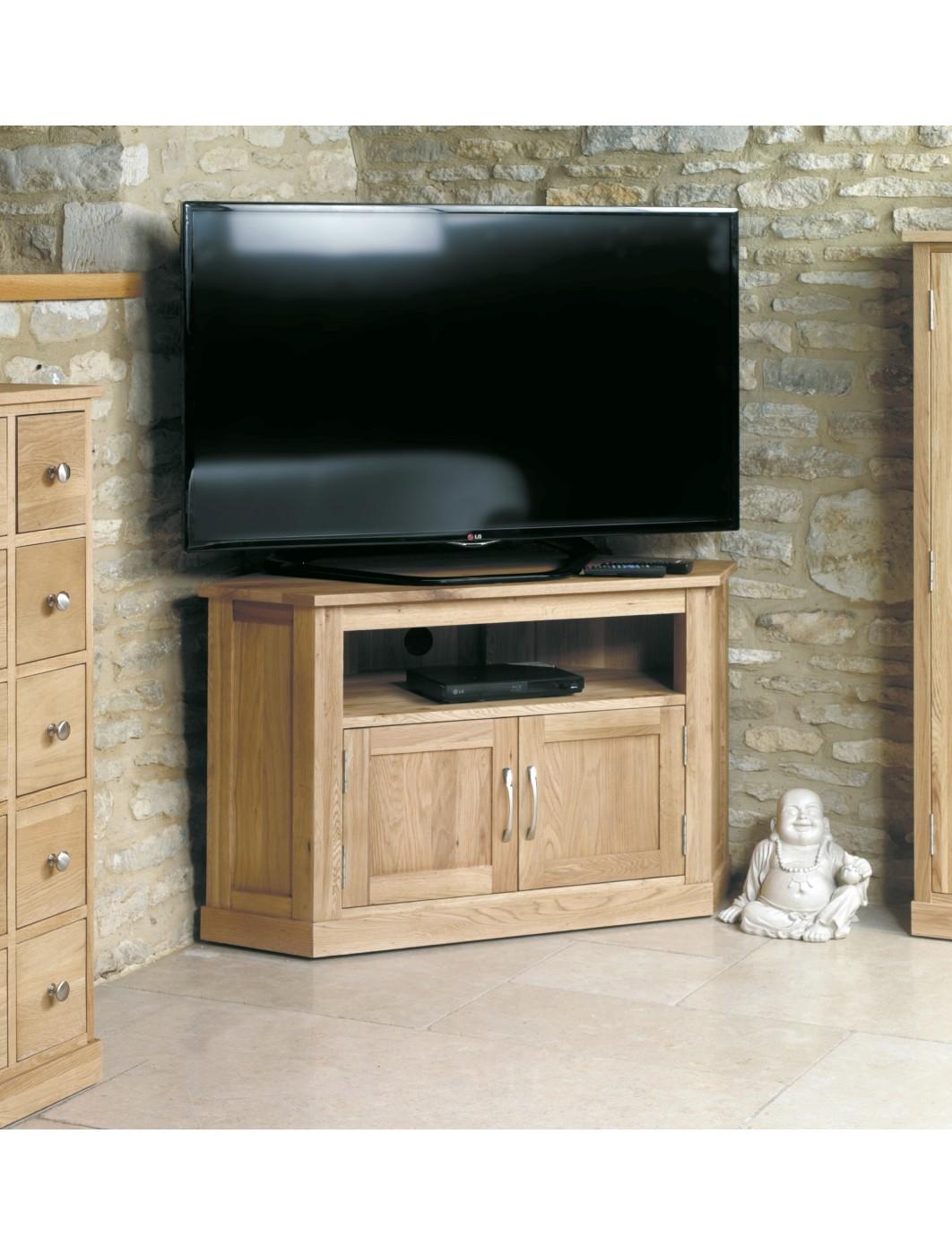 baumhaus mobel oak corner tv cabinet cor09c 121 tv mounts. Black Bedroom Furniture Sets. Home Design Ideas