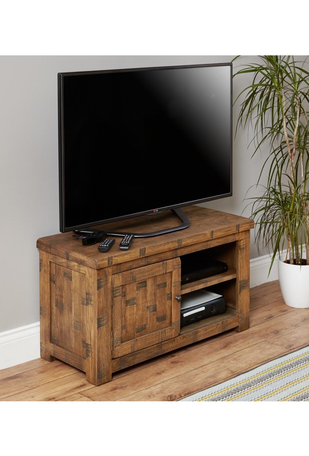 Tv stand baumhaus heyford rough sawn oak crs09a 121 tv Oak tv stands